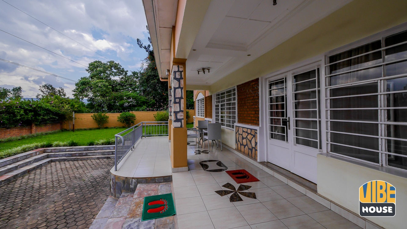 Front porch of house for rent in Kimihurura