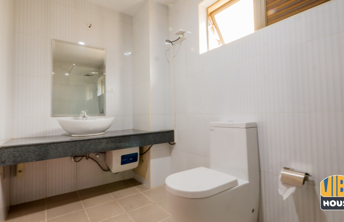 Bathroom view of apartment for rent in Gacuriro, Kigali