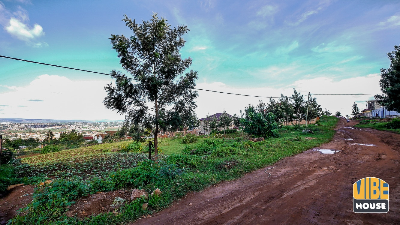 Road in front of plot of land for sale in Kagarama