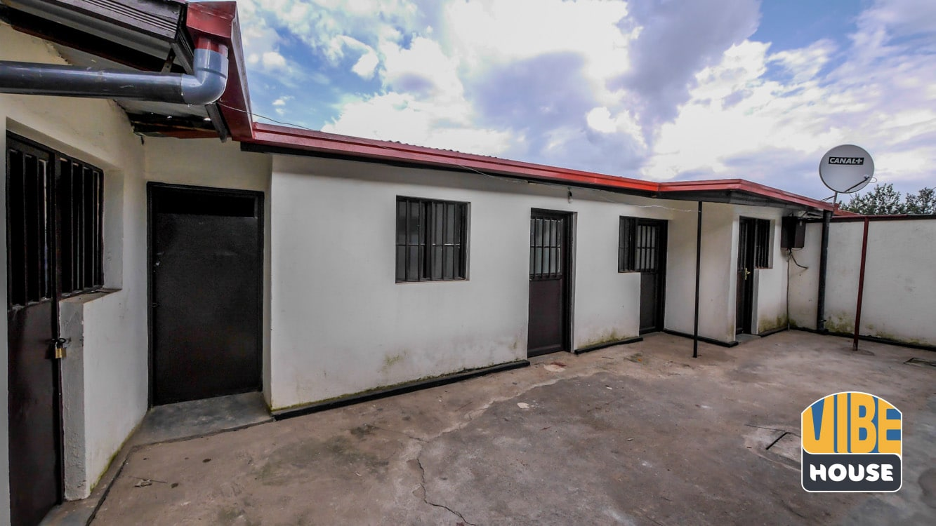 Backyard annex to the house for rent in Kacyiru, Kigali
