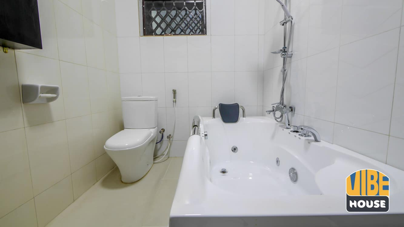 Bathtub in Luxurious Apartment for rent in Kicukiro, Kigali