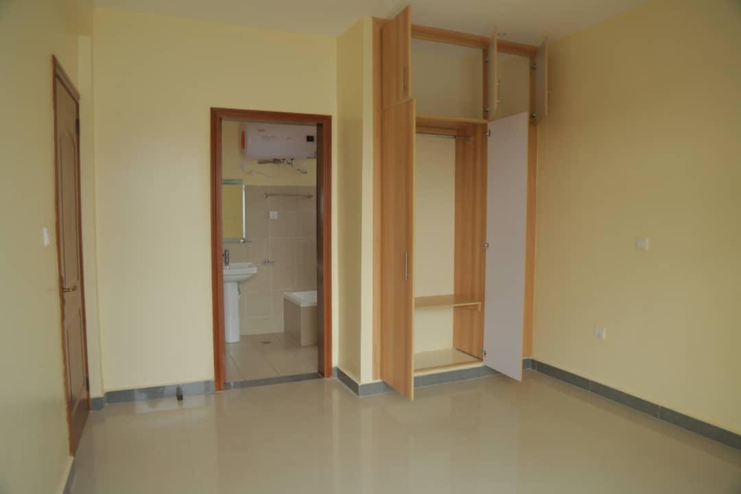 Master bedroom in apartment for sale in Nyarutarama, Kigali