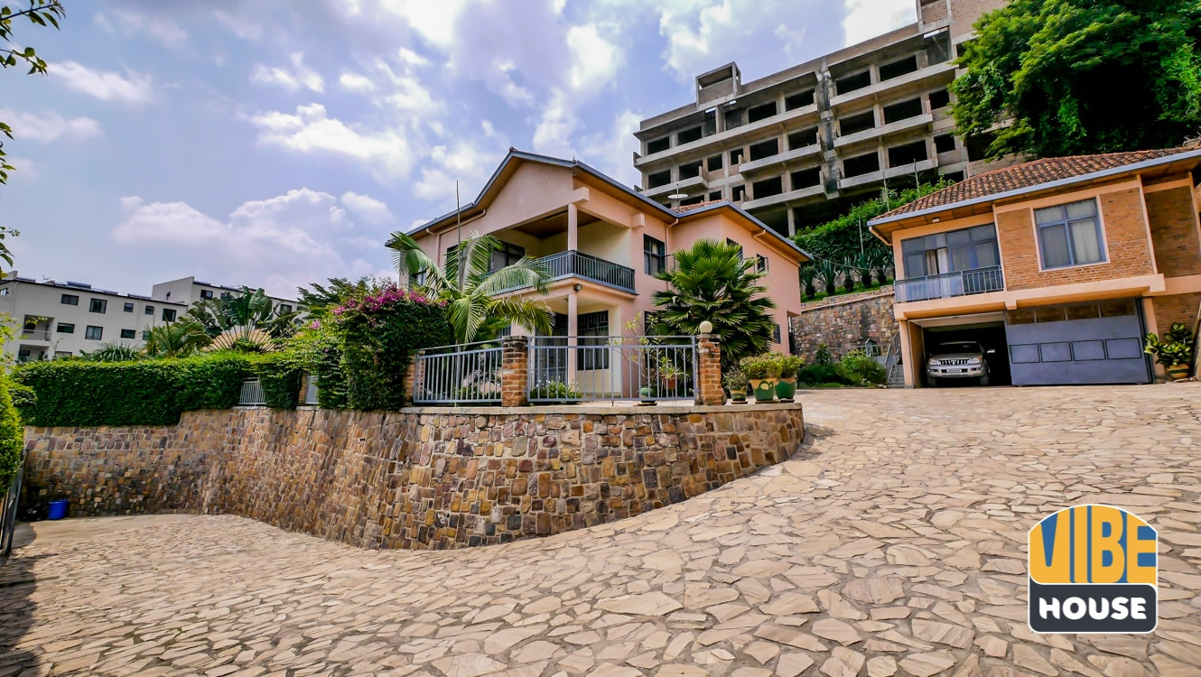Property with 3 apartments for sale in Nyarutarama, Kigali