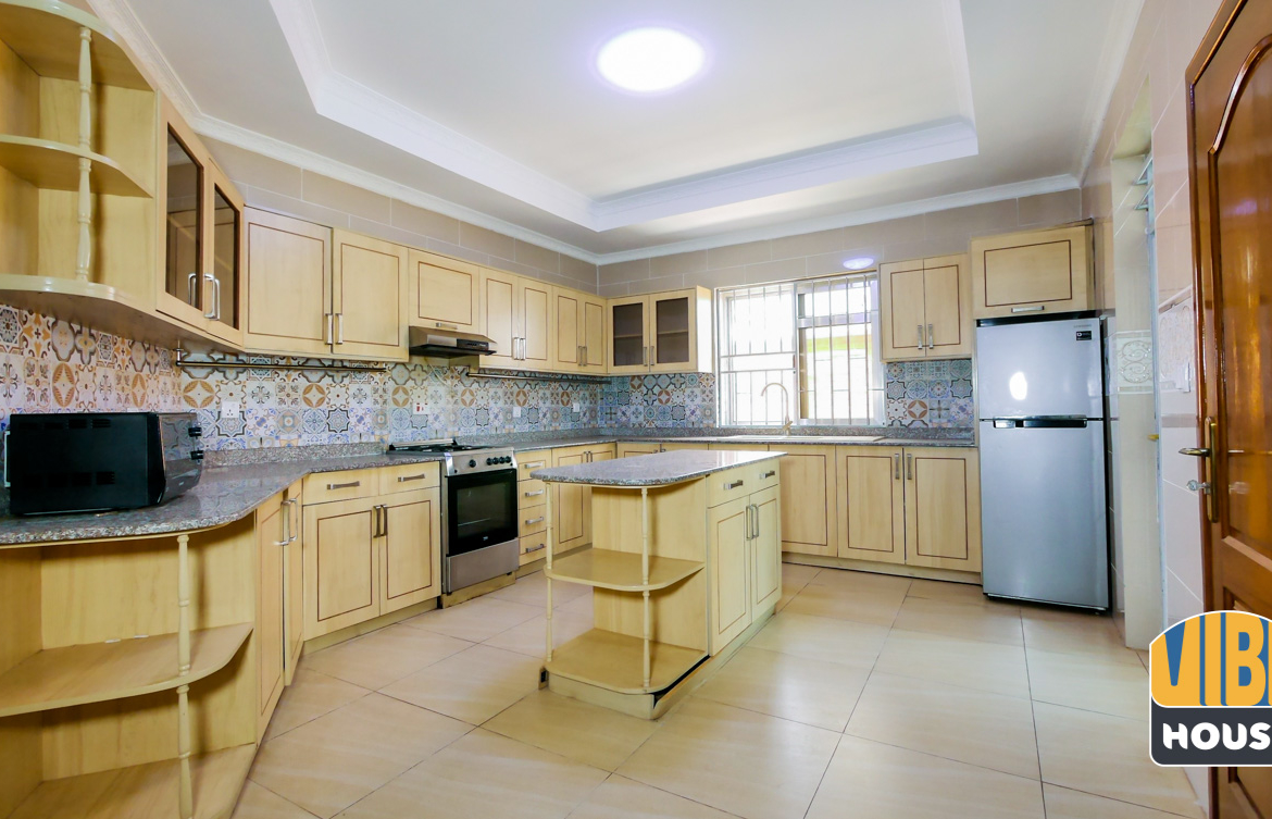 Kitchen of Luxurious Villa for rent in Kibagabaga