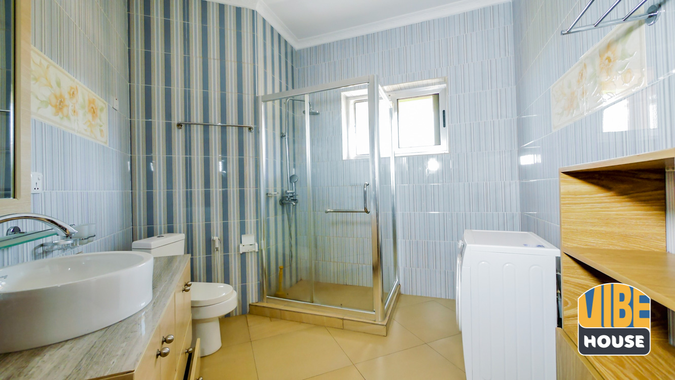 Master bathroom: House for rent in Kibagabaga