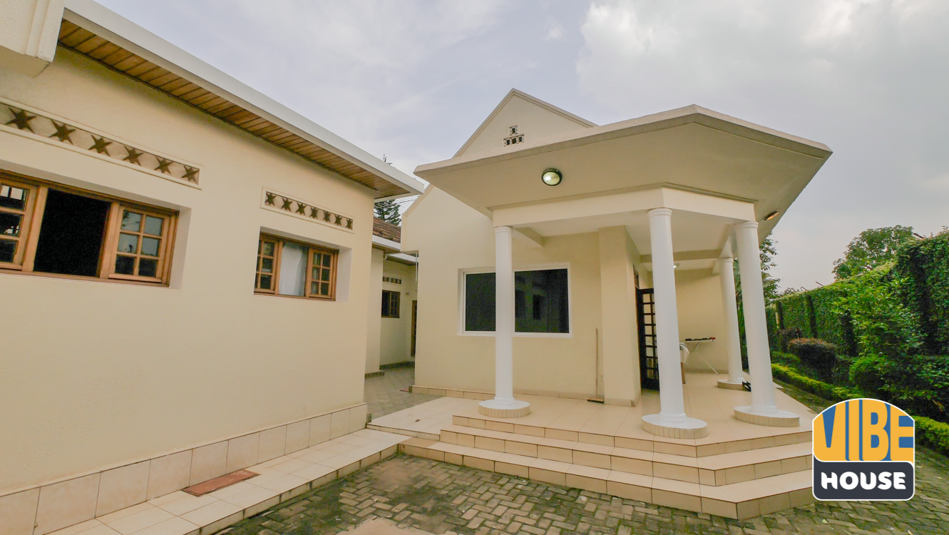 Backyard: Ultimate Luxurious Villa for rent in Gisozi, Kigali