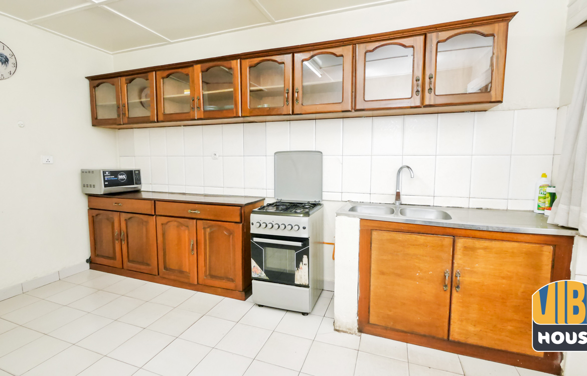 Kitchen: House for rent in Nyamirambo