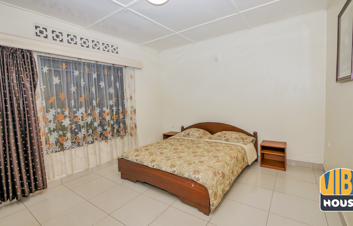 Guest bedroom: House for rent in Nyamirambo