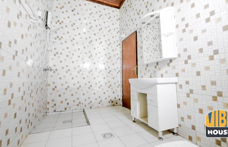 Bathroom of house for rent in Kibagabaga