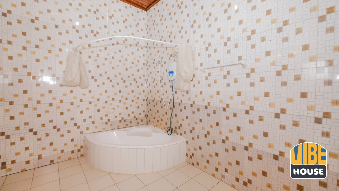 Master bathroom of house for rent in Kibagabaga