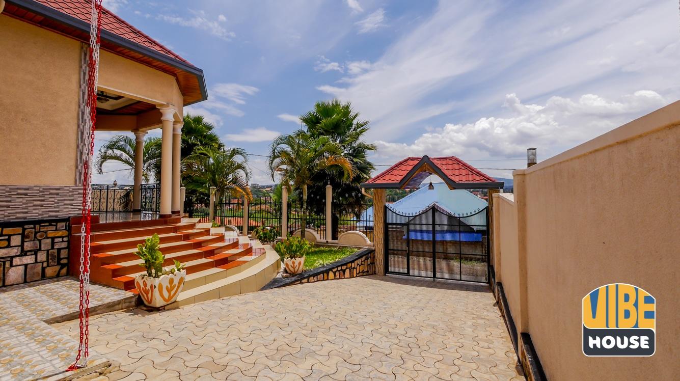 Gate: house for rent in Kibagabaga